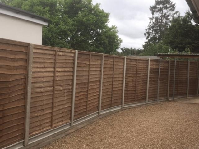 fence-building-sutton