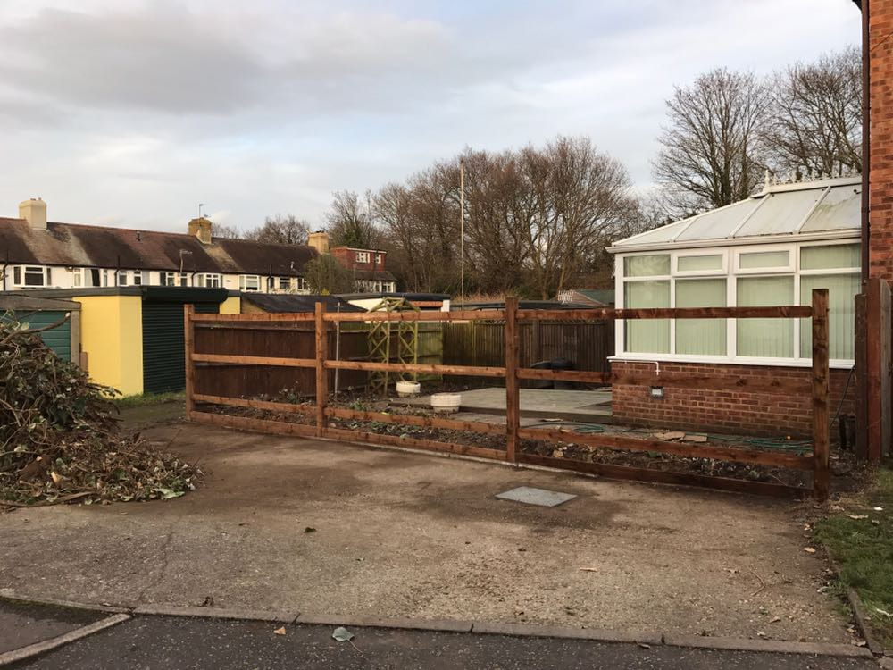 fencing-tadworth-before-shot